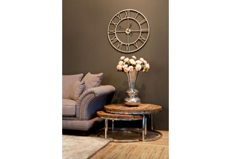 Le maxi vase argenté offre une décoration unique !